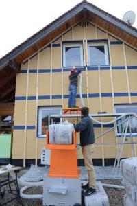Holger Merkel beim Flocken-Workshop in Rumänien.