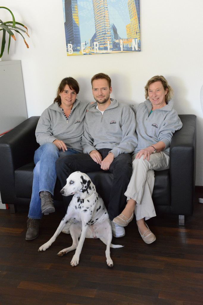 Monika Krugmann (rechts) und Tim Schmidt sind zuständig für die Auftragsannahme bei isofloc.