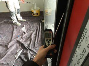 Luftdichtheits-Messung mit Anemometer
