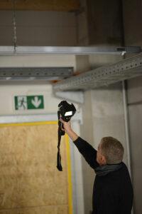 Thermografie-Messung bei Leckagesuche in einer Halle